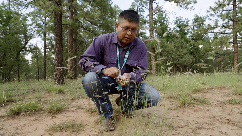017---Navajo-Medicine-practitioner